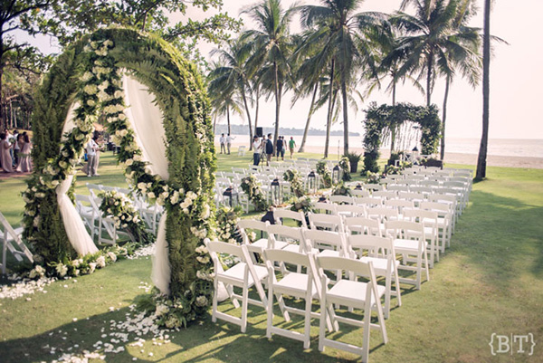 Breathtaking beach wedding venues philippines wedding blog montemar beach club photos benjie tiongco the perfect pair junglespirit Gallery